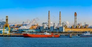 Βιομηχανικό τοπίο στην ακτή της Νότιας Κορέας στοκ εικόνα