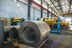 Βιομηχανικό manufactory εργαστήριο για τη γραμμή παραγωγής επιτροπής σάντουιτς θερμικής μόνωσης για την κατασκευή Στοκ εικόνες με δικαίωμα ελεύθερης χρήσης