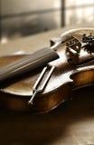 Βιολί και συντονισμός - δίκρανο Στοκ εικόνα με δικαίωμα ελεύθερης χρήσης