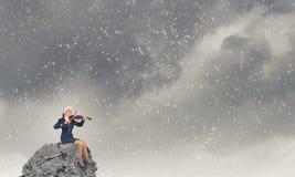 Βιολί παιχνιδιού γυναικών Santa Στοκ Φωτογραφίες