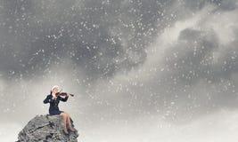 Βιολί παιχνιδιού γυναικών Santa Στοκ Εικόνες