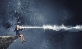 Βιολί παιχνιδιού γυναικών Santa Στοκ Εικόνα