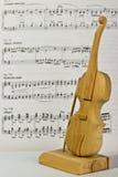 Βιολί παιχνιδιών Στοκ Φωτογραφίες