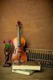 Βιολί στο εκλεκτής ποιότητας ύφος Στοκ φωτογραφία με δικαίωμα ελεύθερης χρήσης