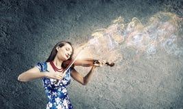 Βιολιστής γυναικών Στοκ εικόνες με δικαίωμα ελεύθερης χρήσης