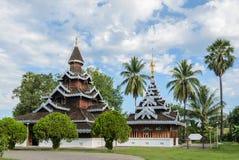 Βιρμανός ξύλινος ναός ύφους της Shan στην Ταϊλάνδη Στοκ εικόνα με δικαίωμα ελεύθερης χρήσης