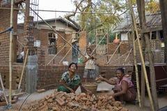 Βιρμανός χτίστης (πλινθοκτίστης στην εργασία) Στοκ Εικόνες
