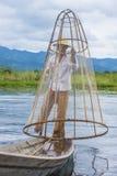 Βιρμανός ψαράς στη λίμνη inle Στοκ εικόνες με δικαίωμα ελεύθερης χρήσης