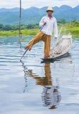 Βιρμανός ψαράς στη λίμνη inle Στοκ εικόνα με δικαίωμα ελεύθερης χρήσης