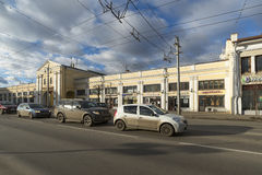 ΒΛΑΝΤΙΜΊΡ, ΡΩΣΙΑ -05 11 2015 Αγορές Arcade στην οδό Bolshaya Moskovskaya - ιστορικός στο κέντρο της πόλης Στοκ φωτογραφία με δικαίωμα ελεύθερης χρήσης