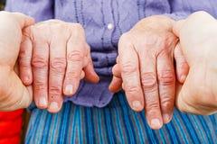 βοήθεια χεριών στοκ εικόνα με δικαίωμα ελεύθερης χρήσης