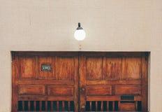 Βοηθητική πόρτα Στοκ φωτογραφίες με δικαίωμα ελεύθερης χρήσης