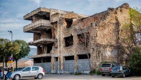 Βομβαρδισμένα κτήρια στο Μοστάρ Βοσνία στοκ φωτογραφίες