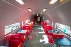 ΒΟΡΕΙΟ ΝΗΣΙ, ΝΕΑ ΖΗΛΑΝΔΙΑ 18 ΜΑΐΟΥ 2017: Υπάρχουν καθίσματα μέσα στο αεροπλάνο, και είναι 10 πιό δροσερό McDonald ` s γύρω από Στοκ Φωτογραφίες