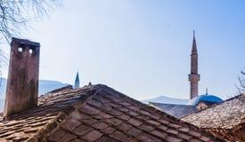 """Βοσνία: στέγες και ορίζοντας Ï""""Î¿Ï… Μοστάρ, παλαιά πόλη που ονομάζεται Î¼ÎµÏ στοκ φωτογραφία με δικαίωμα ελεύθερης χρήσης"""