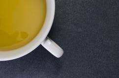 Βοτανικό τσάι, άσπρο φλυτζάνι Στοκ εικόνες με δικαίωμα ελεύθερης χρήσης