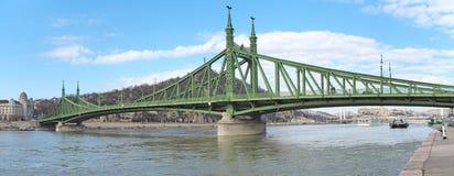 Βουδαπέστη, Ουγγαρία Η γέφυρα ελευθερίας ή γέφυρα ελευθερίας στοκ φωτογραφία με δικαίωμα ελεύθερης χρήσης