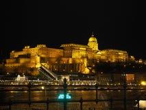 Βουδαπέστη, Ουγγαρία Πανόραμα πέρα από τον ποταμό Δούναβη και την εθνική βιβλιοθήκη Szechenyi πέρα από το λόφο στοκ εικόνα