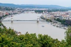 Βουδαπέστη που βλέπει άνωθεν μια νεφελώδη ημέρα, Ουγγαρία Στοκ Εικόνα