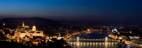 Βουδαπέστη τή νύχτα Στοκ εικόνα με δικαίωμα ελεύθερης χρήσης
