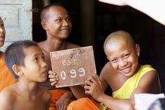 βουδιστικές νεολαίες μοναχών Στοκ εικόνα με δικαίωμα ελεύθερης χρήσης