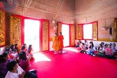 Βουδιστικοί άνθρωποι στην αξία στις βουδιστικές εκκλησίες Στοκ φωτογραφία με δικαίωμα ελεύθερης χρήσης