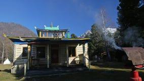 Βουδιστικός μογγολικός ναός Buryat Τελετουργικό ή τελετή τα πνεύματα Καίγοντας ειδικές βελόνες Μαγικός καπνός φιλμ μικρού μήκους