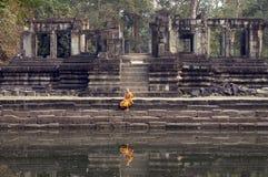 βουδιστικός μοναχός buophon angkor thom στοκ εικόνα