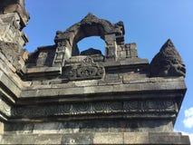 Βουδιστικός ναός Borobudur Ανακουφίσεις Bas Αρχιεπισκόπων Ινδονησία στοκ εικόνα