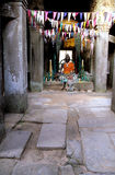 βουδιστικό άγαλμα καταστροφών της Καμπότζης angkor wat Στοκ Φωτογραφίες