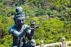 Βουδιστικό άγαλμα που εγκωμιάζει Tian Tan Βούδας Στοκ Φωτογραφίες