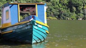 Βουκολική βάρκα χρώματος απόθεμα βίντεο