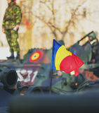 ΒΟΥΚΟΥΡΕΣΤΙ, ΡΟΥΜΑΝΙΑ, ΤΗΝ 1Η ΔΕΚΕΜΒΡΊΟΥ: Στρατιωτική παρέλαση στη εθνική μέρα της Ρουμανίας, Arc de Triomphe, την 1η Δεκεμβρίου  Στοκ Εικόνες