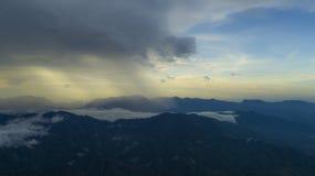 Βουνά από τον υψηλό Στοκ φωτογραφία με δικαίωμα ελεύθερης χρήσης