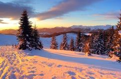 βουνά βραδιού Στοκ φωτογραφίες με δικαίωμα ελεύθερης χρήσης