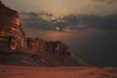 βουνά βραδιού στοκ φωτογραφία με δικαίωμα ελεύθερης χρήσης