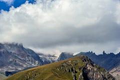 Βουνά και ουρανός Στοκ Εικόνες