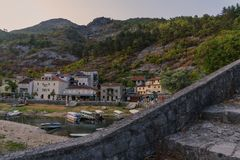 Βουνά και πέτρες του Μαυροβουνίου στοκ φωτογραφία με δικαίωμα ελεύθερης χρήσης