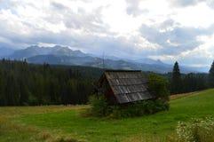 βουνά καλυβών Στοκ εικόνα με δικαίωμα ελεύθερης χρήσης