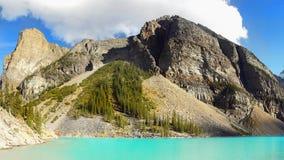 Βουνά κοιλάδων λιμνών Moraine, εθνικό πάρκο Banff, Καναδάς Στοκ εικόνα με δικαίωμα ελεύθερης χρήσης