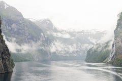 Βουνά Νορβηγία φιορδ Στοκ φωτογραφίες με δικαίωμα ελεύθερης χρήσης