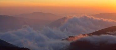 βουνά ομίχλης Στοκ Εικόνα