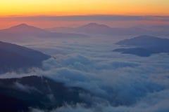 βουνά ομίχλης Στοκ Εικόνες