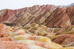 Βουνά ουράνιων τόξων Danxia, Zhangye, επαρχία Gansu, Κίνα Στοκ εικόνα με δικαίωμα ελεύθερης χρήσης