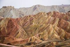 Βουνά ουράνιων τόξων Danxia, Zhangye, επαρχία Gansu, Κίνα Στοκ Εικόνες