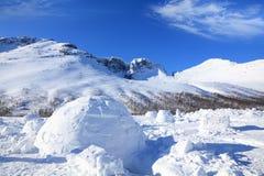 βουνά παγοκαλυβών ανασ&kapp Στοκ Φωτογραφίες