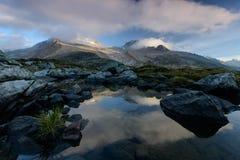βουνά πεζοπορίας Στοκ φωτογραφία με δικαίωμα ελεύθερης χρήσης
