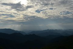 βουνά πεζοπορώ στοκ φωτογραφίες