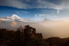 Βουνά περιοχής Annapurna στα Ιμαλάια του Νεπάλ Στοκ Εικόνα