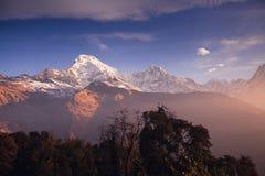 Βουνά περιοχής Annapurna στα Ιμαλάια του Νεπάλ Στοκ φωτογραφία με δικαίωμα ελεύθερης χρήσης